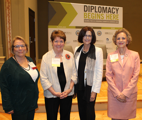Dr. Linda Robertson of Kent State University, Ambassador Heather Hodges, CCWA CEO Maura O'Donnell-McCarthy and Ambassador Jennifer Zimdahl Galt