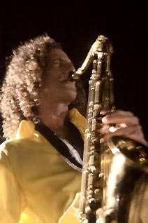 Kenny G playing the sax