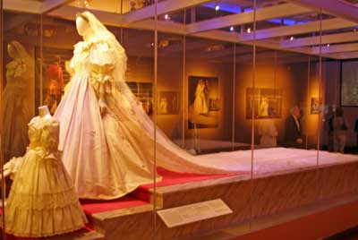 Princess Diana wedding dress train