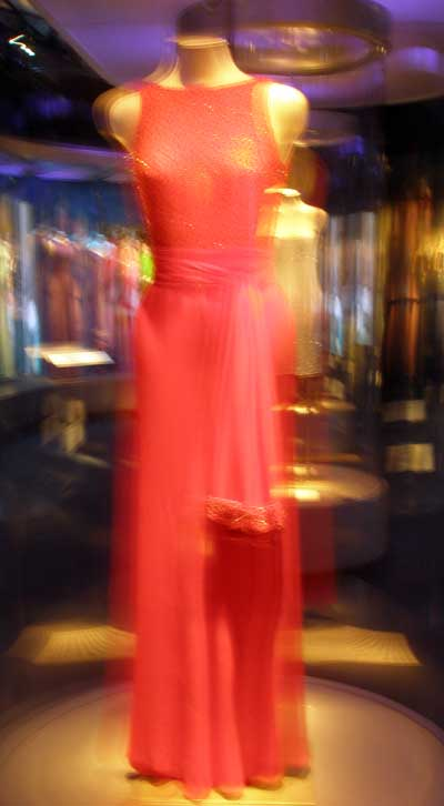 Jacques Azagury Scarlet evening dress worn by Princess Diana during her visit to Washington in 1997