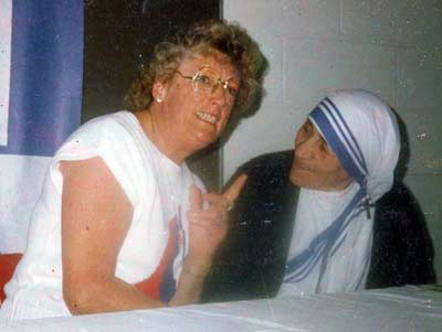 Helen Bacon with Mother Teresa Theresa