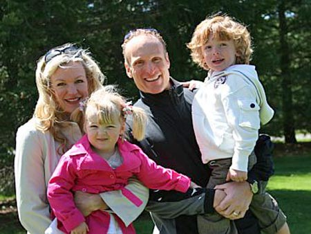 Lissa Bockrath and Mark Shapiro family at farm