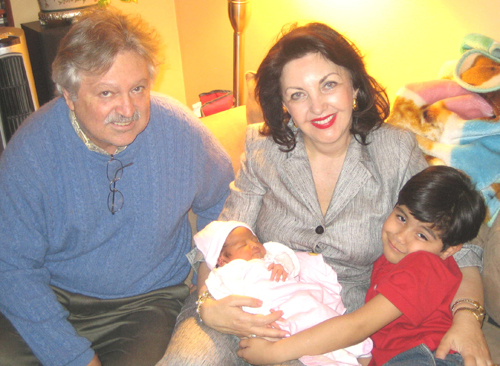 Maria Pujana with husband Hugo Urizar and grandson Marquito & new arrival granddaughter Maris�