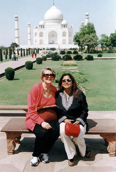 Cleveland Mayor Jane Campbell and Rita Singh in front of the Taj Mahal